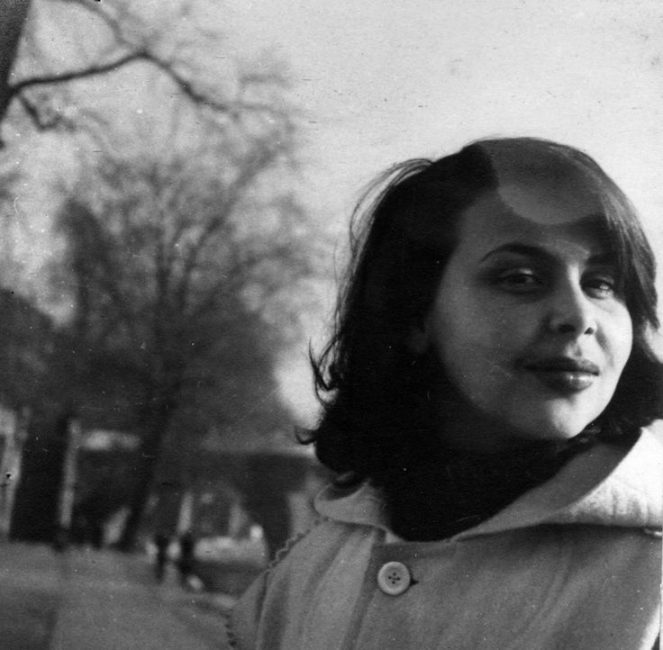 Blanca-Varela-París-1949.-Foto-de-Fernando-de-Szyszlo.